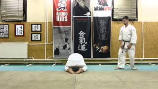 tobikoshi (rolling over) ukemi mae [TUTORIAL] Aikido empty hand basic technique: