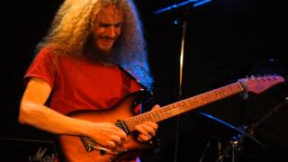 Guthrie Govan Plays Red Baron