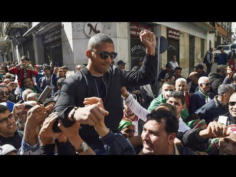 عريضة إلكترونية تطالب بإطلاق سراح الصحافي الجزائري خالد درارني  - نشر قبل 9 ساعة