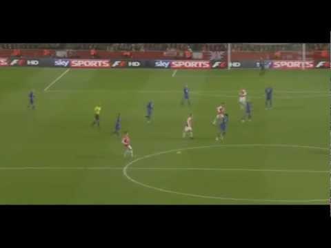 Robin Van Persie volley vs Everton