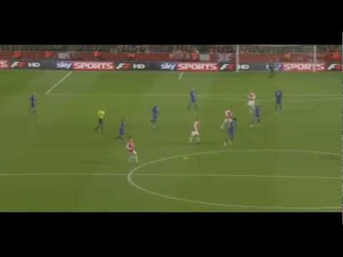Robin Van Persie volley vs Everton