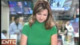 Repeat youtube video Descuidos de presentadoras de RCN