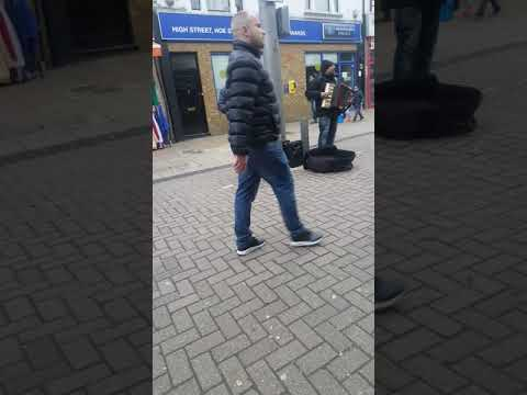 Romanian people make despasito song 2017