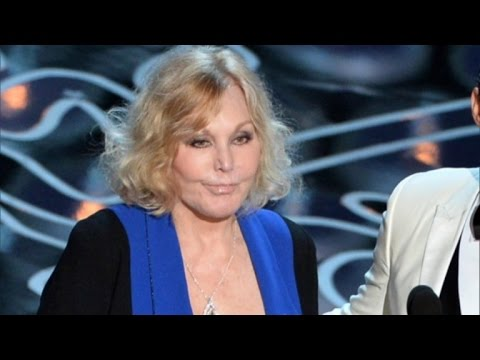 Kim Novak: I Still Won't Vote for Trump Despite His Apology for Mean Tweet