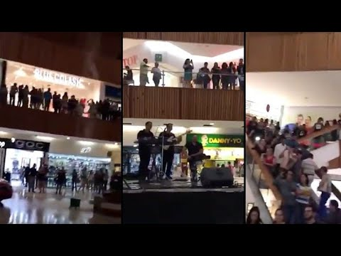 Band Plays Titanic In Mall As Shopping Mall Gets Flooded With Rain Water   Band Titanic Song Flooded