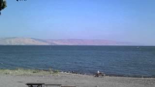 Галилейское море - озеро Кинерет - isragid.ru(Для заказа экскурсии в Израиле заходите на сайт http://isragid.ru/ - Галилейское море - в Евангелиях это озеро называ..., 2012-06-28T14:15:05.000Z)