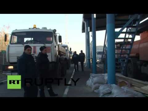 Ukraine: Russian humanitarian aid convoy arrives in Lugansk