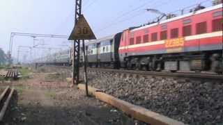 25 coach Coromandel SF with a Duronto coach creates tremendous track sound at Haur outers