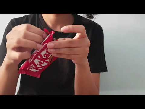 Eating KITKAT wrong