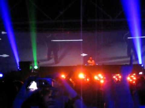 Energy 2011 - ATB playing Man On The Run (Nic Chagall Remix) [HQ Audio]