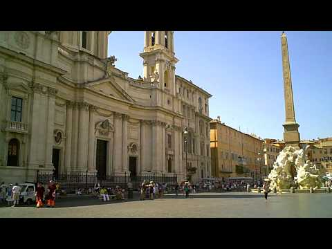 Piazza Navona - Roma , Italy  Part 1 of 2  (A short walk from Vatican city)