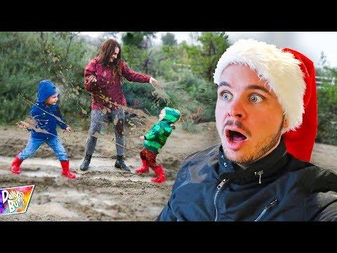Extreme MESSY MUD Fight - Mom vs. Kids