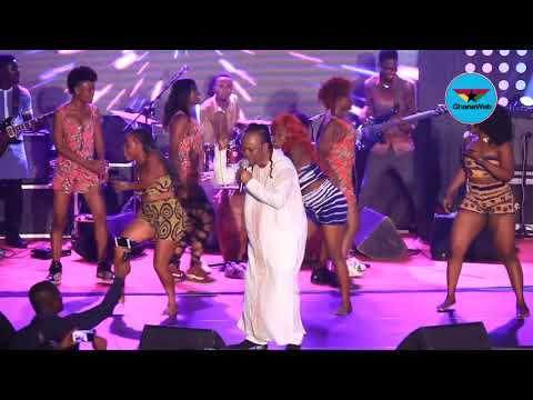 Daddy Lumba performs 'Menya Mpo' at African Legends Night
