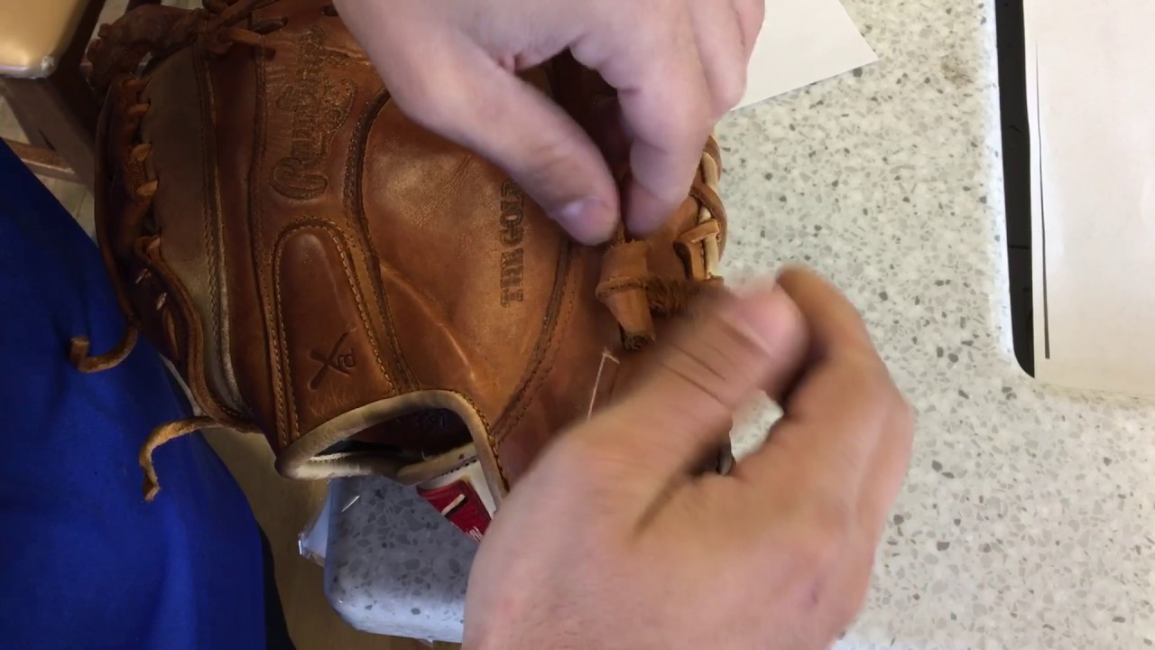 Simple Knot For The Thumb And Pinky Of A Baseball Glove Thanks Mitch Youtube