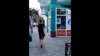 Алушта. Отдыхающие гуляют(, 2015-06-16T04:29:05.000Z)