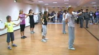 Современные танцы (12-15 лет). Хореограф - Саша Ванакова