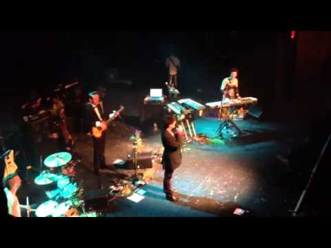 Neil Gaiman singing Fireball XL5 theme