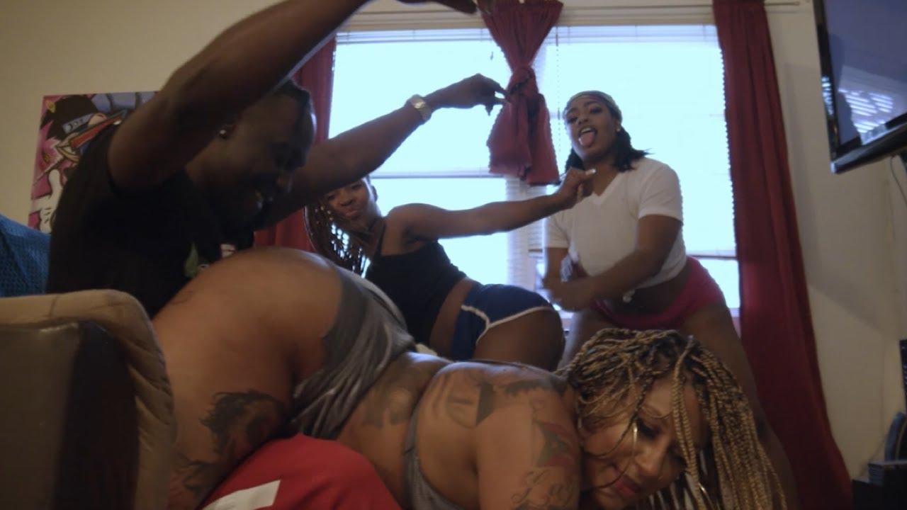 Download Kertasy - Tik Tok Shake (Official Music Video)