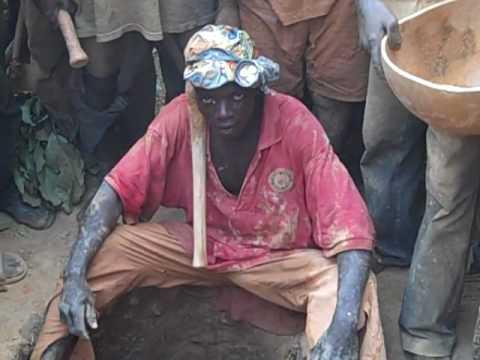 Gold mining in Guinea - 1
