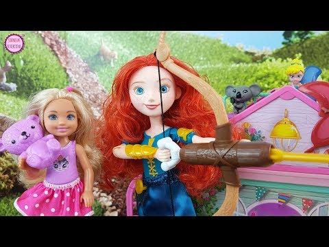 Chelsea vive una Aventura Mágica con la Princesa Mérida - Historia con Juguetes para niñas y niños
