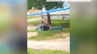 В Новозыбкове двое превратили в бар песочницу
