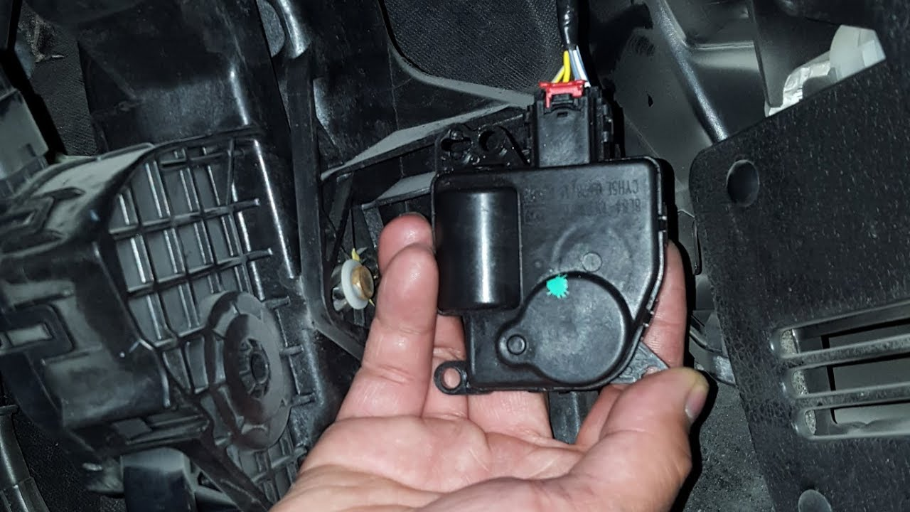 2010 ford f-150 lariat: replacing the hvac mode door actuator