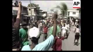 Archbishop Desmond Tutu arrives, elex march and count