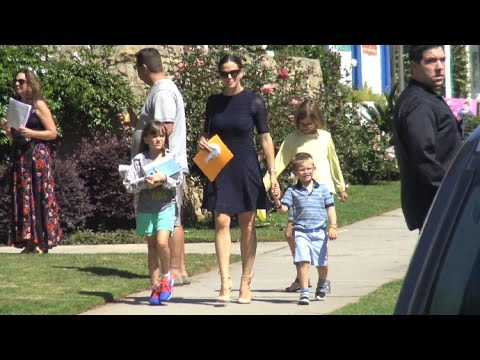 Jennifer Garner Is Unusually Fancy For Church