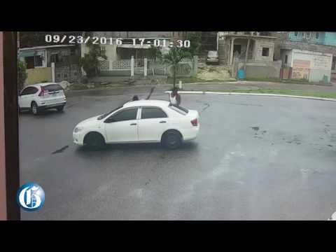 WATCH: MoBay gunmen attack motorist at gas station