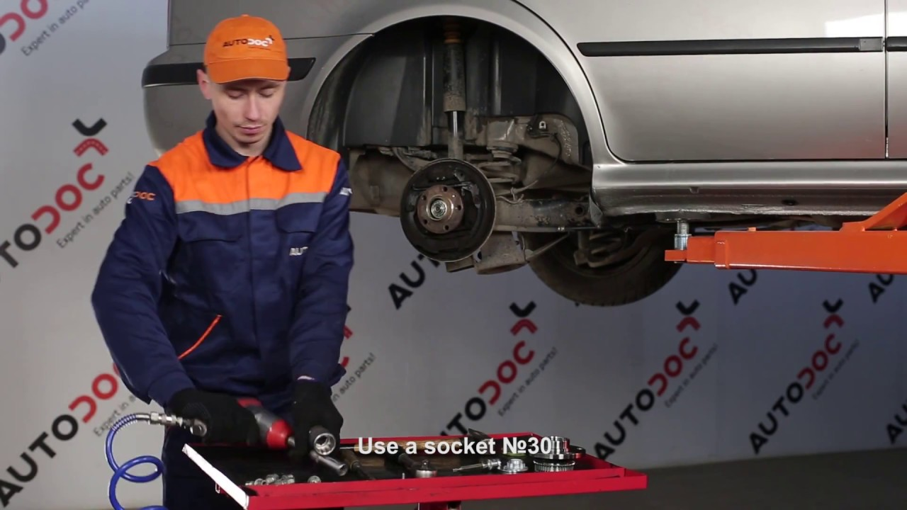 how to replace a rear wheel bearing on skoda octavia 1u tutorial autodoc youtube. Black Bedroom Furniture Sets. Home Design Ideas
