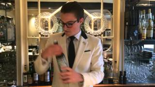 Joe Schofield from Savoy Hotel (London) : Dry Martini