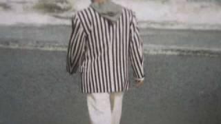1981.6 発売 サードアルバム 「No.3shine Toshi 」 より.