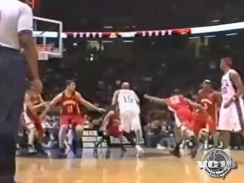 VC BIG slam dunk vs Hawks 2006 season