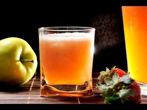 Agua de manzana con fresa - YouTube