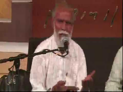 👍मोरारि बापू के साथ अनवर मिर को शुनो तो आप दंग हो जायेगे  ये UAE  मे राम कथा का है VDO 👌 जो 65 साल