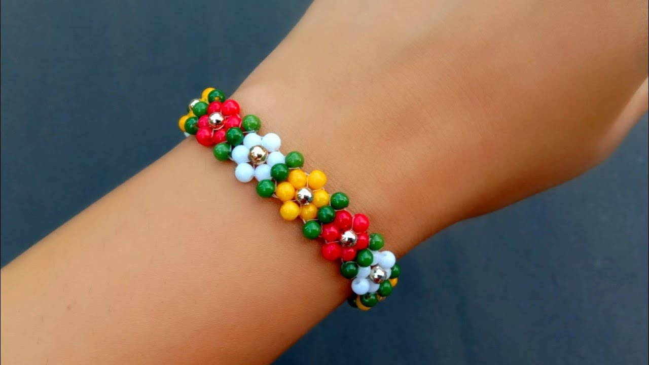 How To Make//Simple & Cute Beaded Flower Bracelet// Useful & Easy