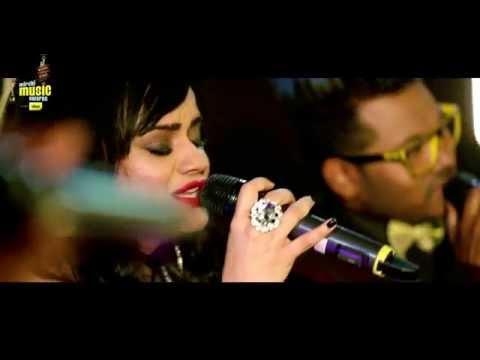 "Aditi Singh Sharma sings Raabta in ""A Cappella"" style at #MMAwards Red Carpet"