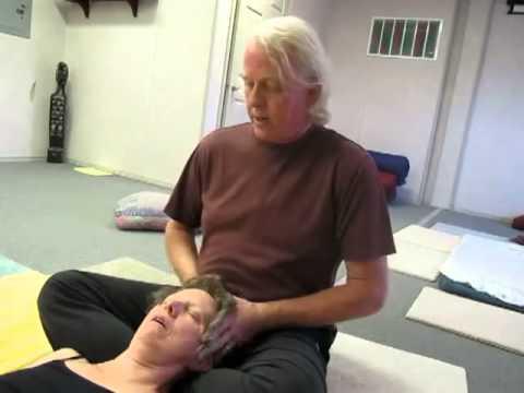thai-yoga-shoulder,-neck-and-head