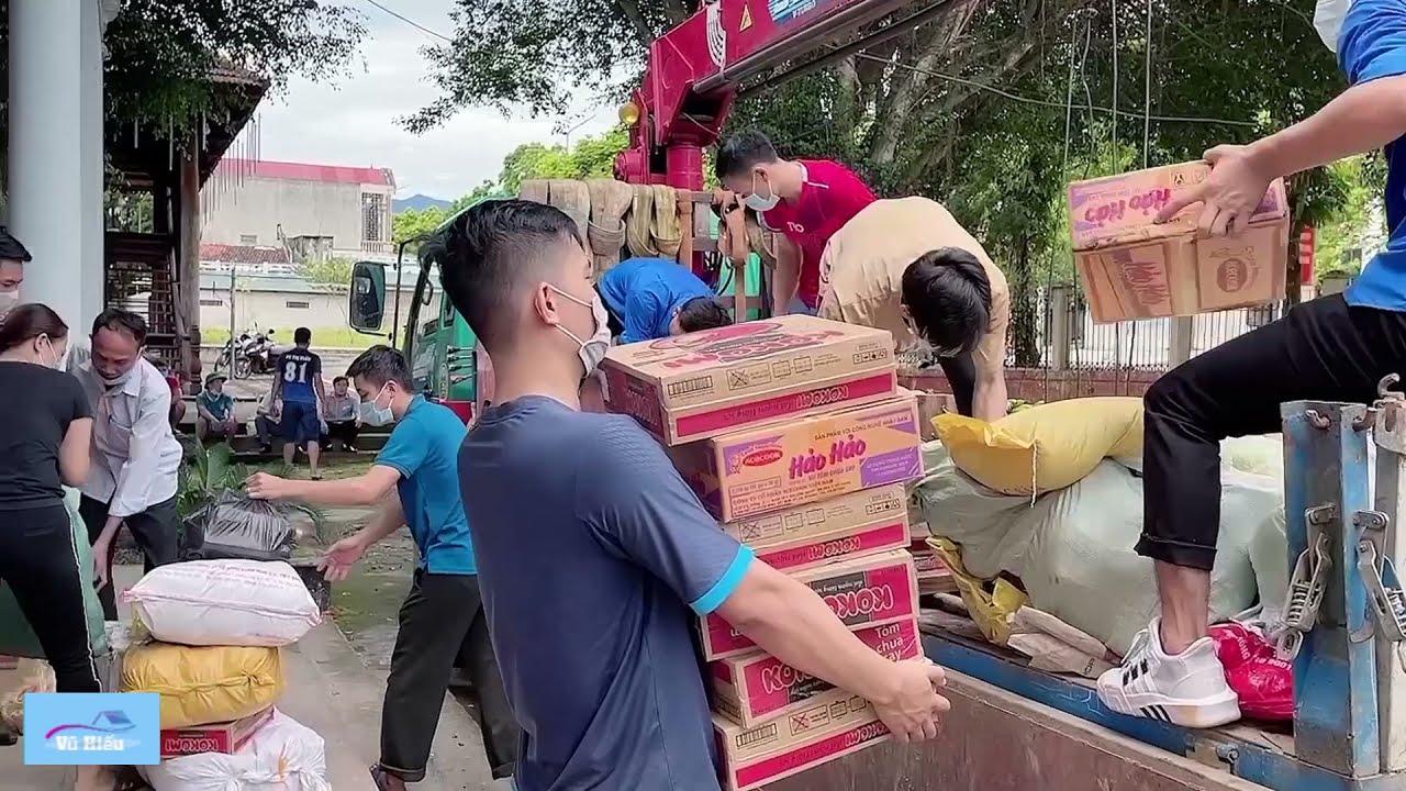 Khoảng 15 tấn thực phẩm thiết yếu của bà con huyện Lang Chánh sáng mai sẽ lên đường đến với Miền Nam