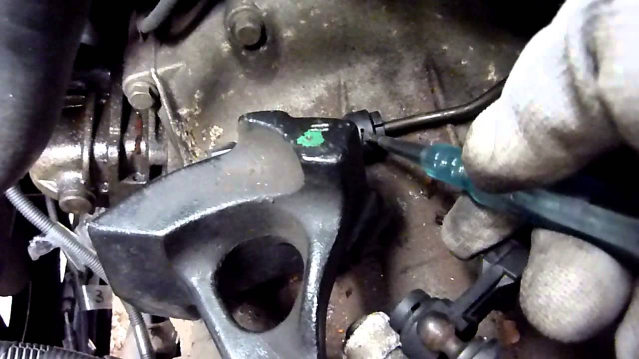 How to remove Gear Selector cables from Transmission Ford