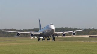 The 747's final approach