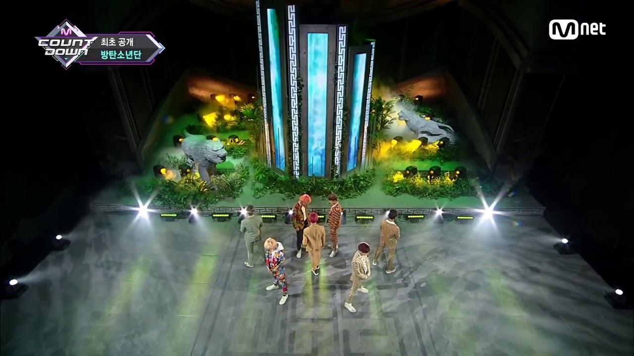 BTS IDOL (LIVE)