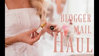OPENING BLOGGER MAIL!  // PO Box Haul & New Beauty Launches   // Fashion Mumblr