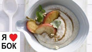 Вкусная манная каша на молоке. Манная каша с яблоком.