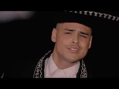Смотреть клип Adán Cruz & Lc Padrino - Oye Amor