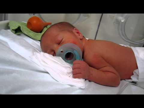 Omar 4 days old, born at 33 weeks gestation - YouTube
