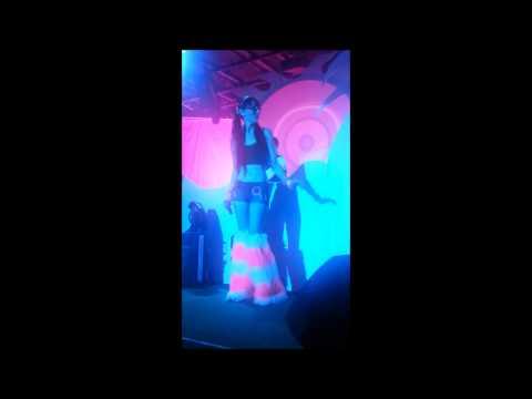 S3RL feat Sara - Little Kandi Raver - Live at SummerBass 2012