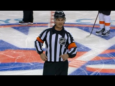 Gotta Hear It: Referee's mic abruptly starts working during Greiss save review