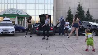 Горячие девушки . Стерлитамак . Уличные танцы