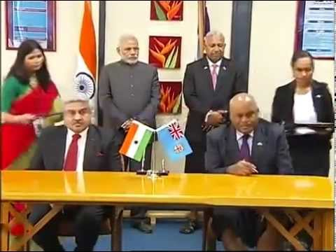 PM Modi with Fiji PM Frank Bainimarama at the Signing Agreement